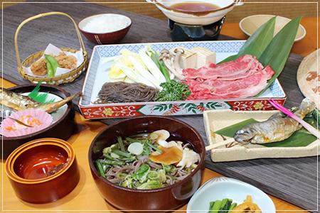 C和牛鍋定食・岩魚の塩焼き版  3240円(税込) )