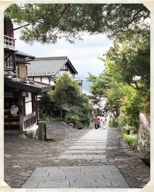 ガイドツアー (馬籠宿道中案内)